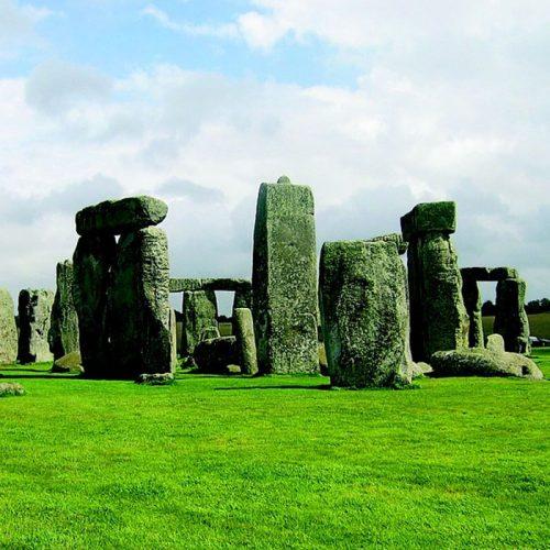 Stonehengeandsalisbury